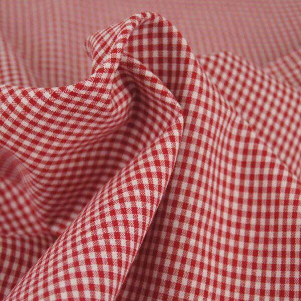 Tessuto a quadretti bianco e rosso