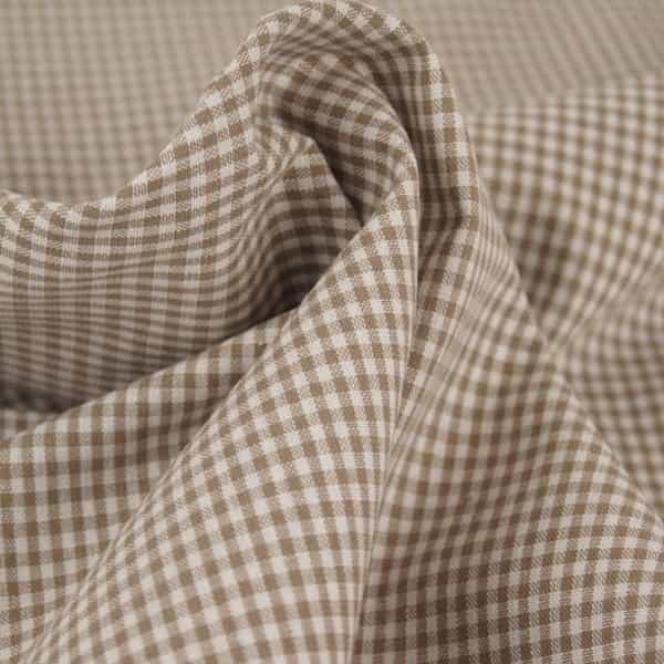 Tessuto a quadretti marrone chiaro e bianco